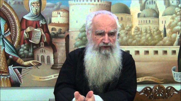 π.Θεόδ. Ζήσης : Διακοπή Μνημοσύνου Επισκόπων, ΒΙΝΤΕΟ