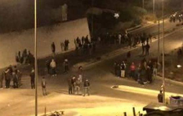 Νεαροί Έλληνες συνεπλάκησαν με μετανάστες στη Σάμο