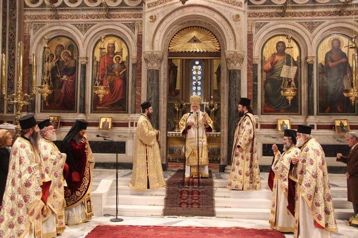 Μητρόπολη Αθηνών : Η Λειτουργία των Χριστουγέννων   (ΦΩΤΟ)
