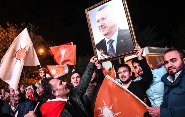 Τουρκία: Ο Ερντογάν οδηγεί την χώρα σε εμφύλιο και φτιάχνει ισλαμιστικό στρατό