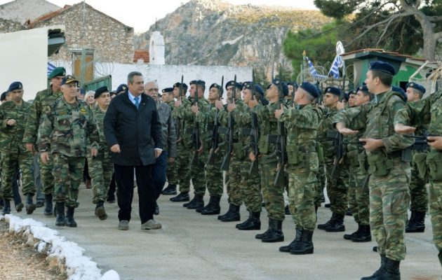 Καμμένος από Καστελόριζο: «Οι σκέψεις μας κοντά στους στρατιώτες μας»