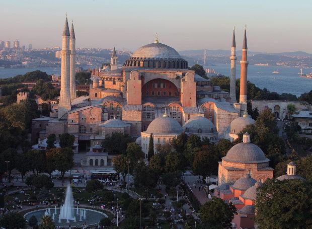 Το υπουργείο Εξωτερικών αναφέρει την Κωνσταντινούπολη ως «Ιστανμπούλ». Τι άλλο να περιμένει κανείς;