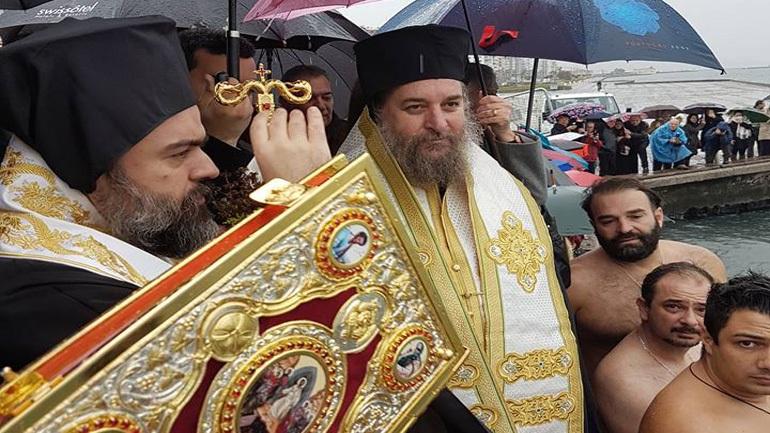 Ιστορική ημέρα για τους χριστιανούς της Σμύρνης με τον αγιασμό των υδάτων