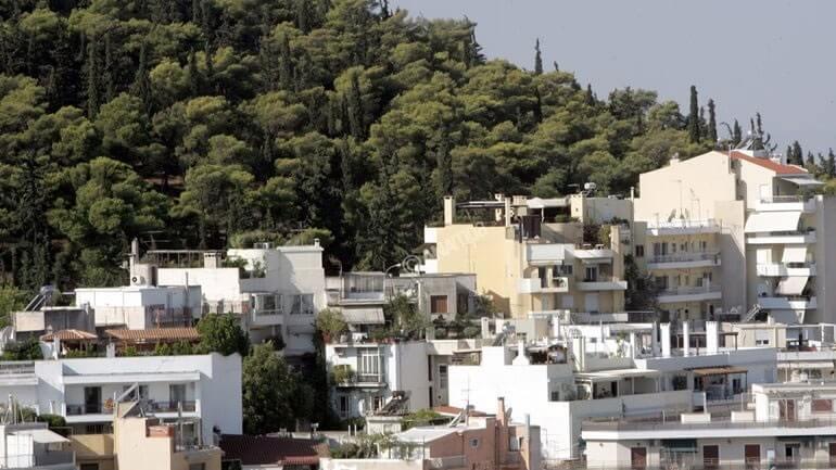 Αυθαίρετο έχει ένας στους 10 Έλληνες