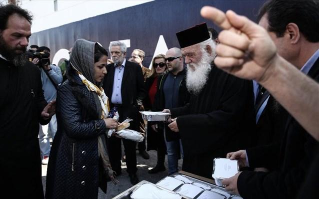 ΑΠΟΣΤΟΛΗ: 10.000 μερίδες φαγητού καθημερινά στην Αθήνα- Η Εκκλησία παντού