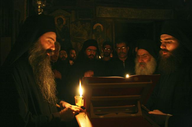 Όλη τη νύχτα προσεύχομαι και φωνάζω...( Γέροντας Ιωσήφ)