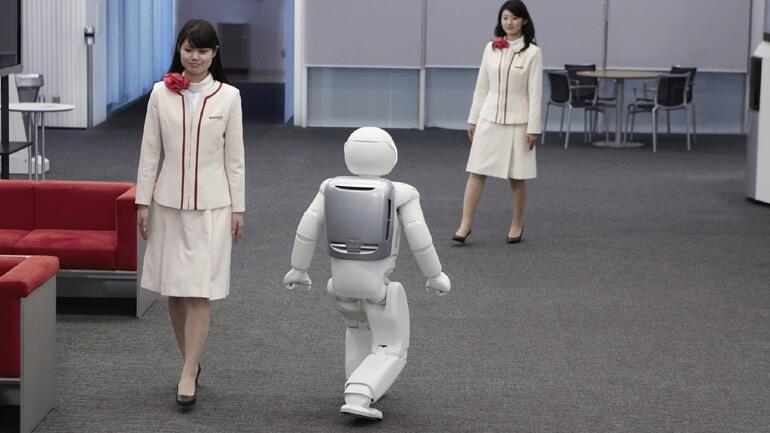 Τα ρομπότ θα «κλέψουν» θέσεις εργασίας αλλά οχι σύντομα