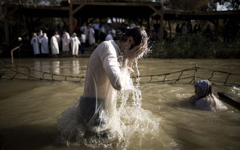 Ζωντανό θαύμα που συμβαινει: Ιορδάνης Ποταμός ανήμερα των Θεοφανείων