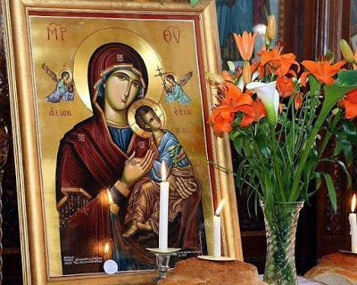 Εμφανίσεις Αγγέλων και της Θεοτόκου κατά την ανάγνωση των Χαιρετισμών από πιστή