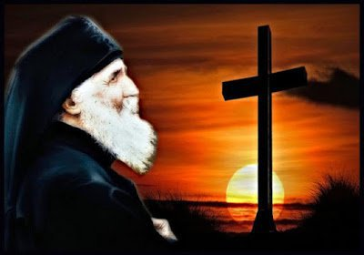 elder-paisios-and-cross1