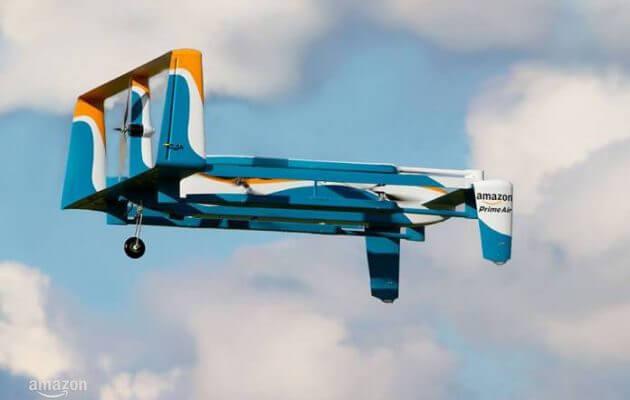 H Amazon θα μεταφέρει προϊόντα με drones και θα τα παραδίδει με… αλεξίπτωτα