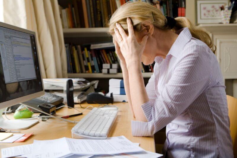 Από στρες, αϋπνία και κατάθλιψη κινδυνεύουν όσοι εργάζονται από το σπίτι