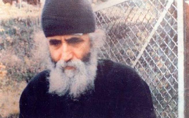 Άγιος Γέροντας Παΐσιος: Ο σατανάς δεν πάει σε έναν άχρηστο άνθρωπο, αλλά πάει σε έναν αγωνιστή