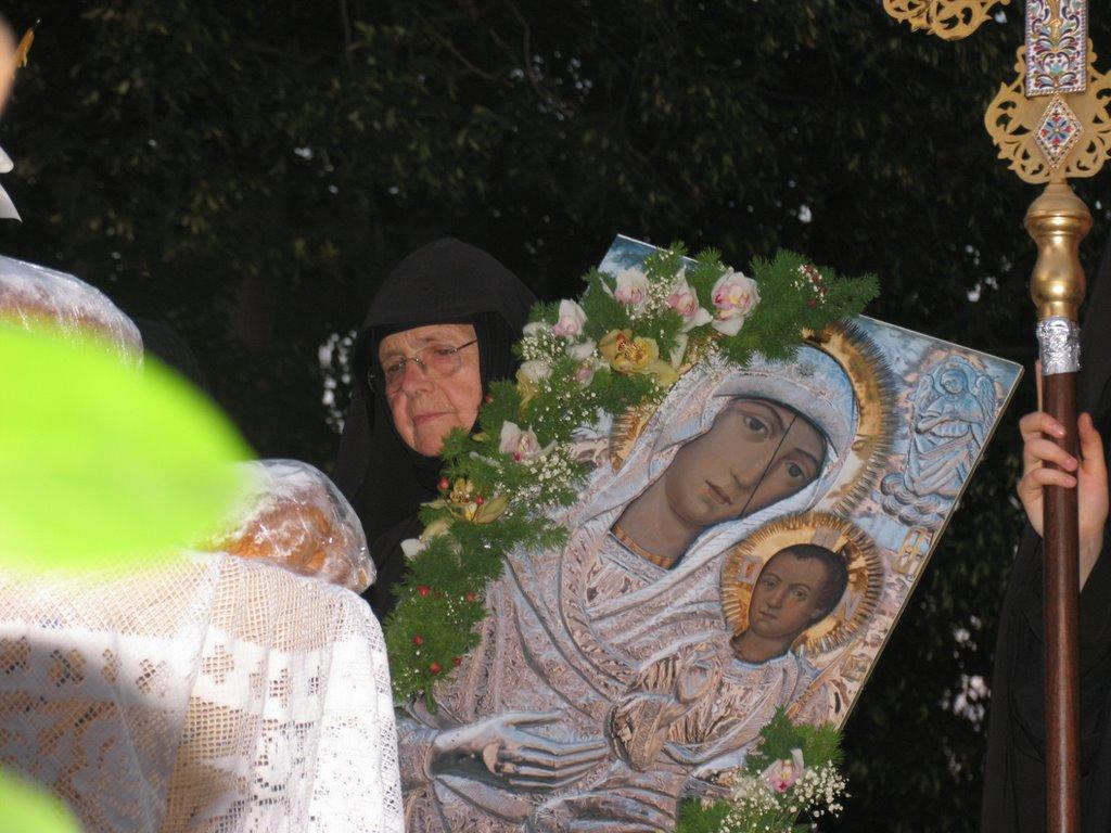 Από θαύμα σώθηκε η Εικόνα της Παναγίας στο Μοναστήρι της Βαρνάκοβας