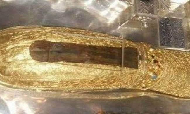 Τι συμβαίνει με όσους ασπάζονται το άφθαρτο χέρι της Αγίας Μαρίας της Μαγδαληνής