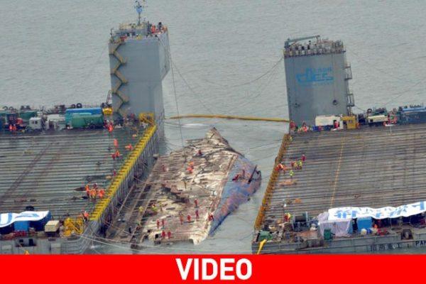 Νότιο Κορέα - Η ανέλκυση του ναυαγίου του Sewol (απίστευτες εικονές-video)
