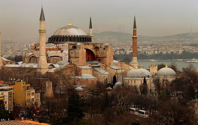17χρονο παιδί στην Τουρκία αντιμετωπίζει ποινή 10 ετών φυλάκισης γιατί έκλεψε 5 λίρες από τζαμί
