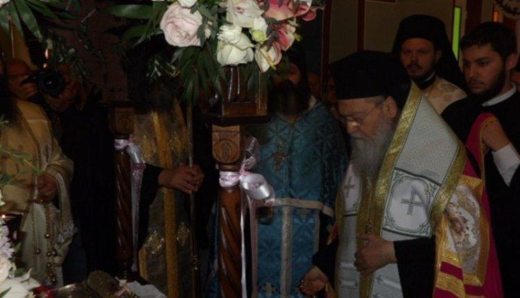 Υποδοχή Ι. Λειψάνων της Αγίας Φωτεινής της Σαμαρείτιδος στην Ι.Μ. Κορίνθου