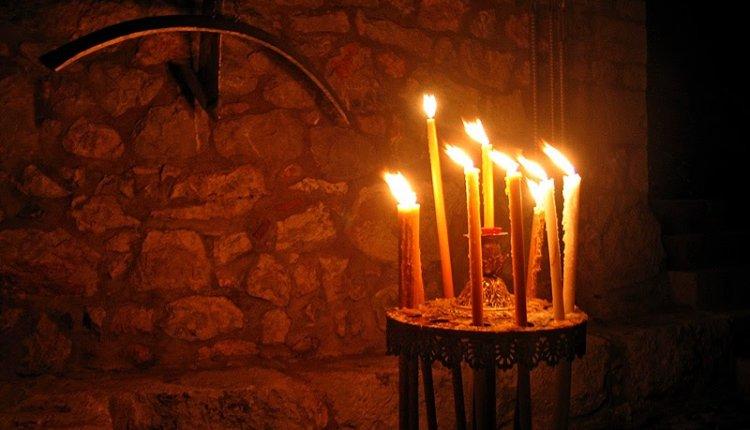 """""""Ναι, είναι αλήθεια, ζουν οι ψυχές και μας βλέπουν,είπε ο ιερέας πατέρας της…(αληθινή ιστορία)"""