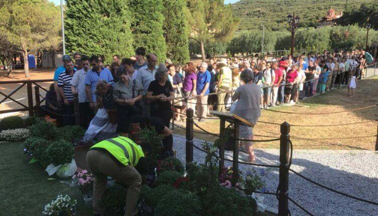 Οργισμένοι οι «τζιχαντιστές» του ελληνικού διαδικτύου για τις χιλιάδες πιστών στον τάφο του Αγίου Παϊσίου