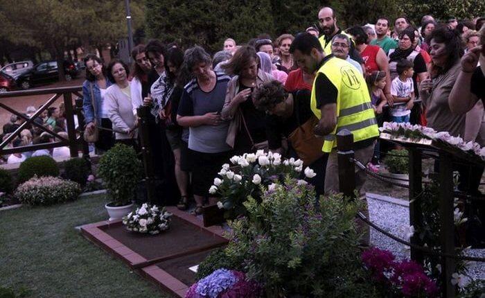 Χιλιάδες πιστοί προσκυνούν τον τάφο του Αγίου Γέροντος Παϊσίου(ωράριο και τηλέφωνα επικοινωνίας)