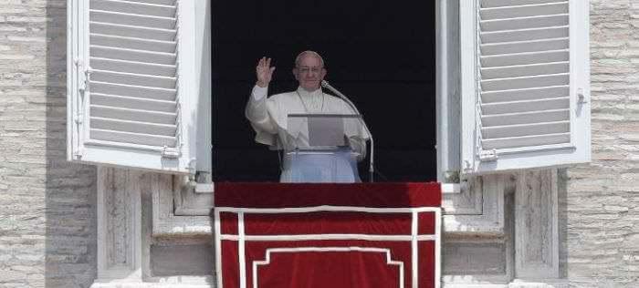 Πάπας Φραγκίσκος: Μην αφαιρείτε τη γλουτένη από τον αγιασμένο άρτο