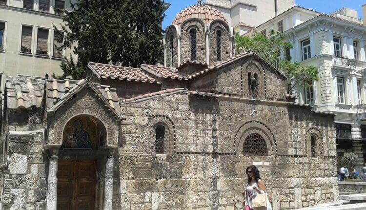 Ο ιστορικός ναός της Καπνικαρέας – Πώς πήρε το όνομά του