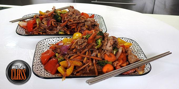 Μοσχαράκι stir-fry με oyster sauce, μπρόκολο και τζίντζερ