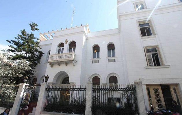 Η Αρχιεπισκοπή Αθηνών πρόσφερε δωρεάν δέκα ακίνητα σε φτωχές οικογένειες