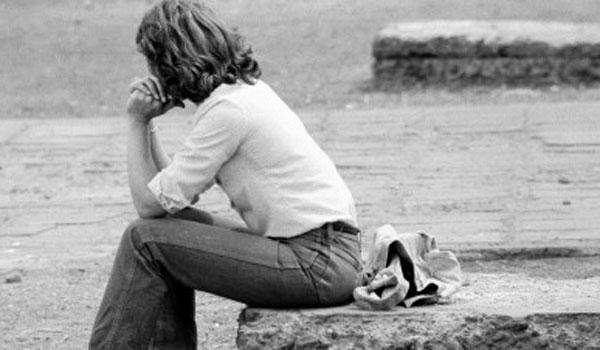 Τα 9 συμπτώματα της κατάθλιψης και οι κίνδυνοι
