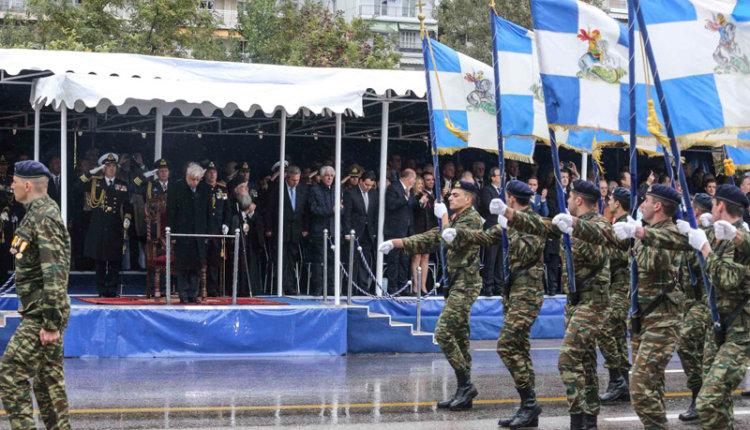 Θεσσαλονίκη: Μεγαλειώδης η στρατιωτική παρέλαση – Εντυπωσίασαν τα άρματα μάχης