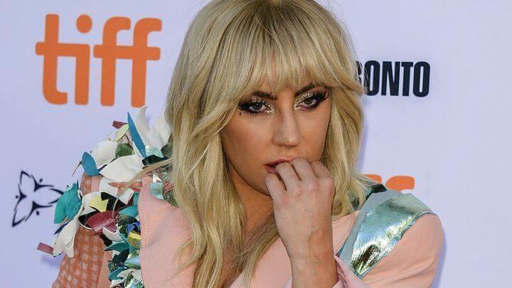 Lady Gaga: «Λυπάμαι που πούλησα την ψυχή μου στις σκοτεινές δυνάμεις των Illuminati» (Βίντεο)