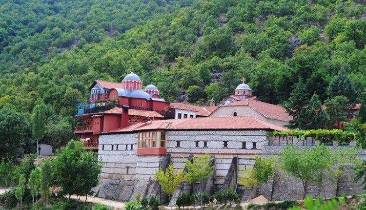 Προσκυνήματα: Μονή των Αγίων Αναργύρων (Καστοριά)