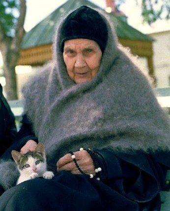 """Μεγαλόσχημη ΑΝΤΩΝΙΑ ΚΑVESHNIKOVA (1904-1996):Απλά πρέπει πριν  φάτε φαγητό να κάνετε τον σταυρός σας""""…Θα έρθουν οι καιροί,  που όλα θα δηλητηριαστούν"""