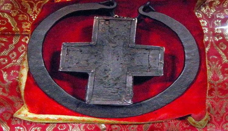 Άγιος Πορφύριος: Το Ξύλο που ανασταίνει νεκρούς και τρέπει σε φυγή τις λεγεώνες των Δαιμόνων!