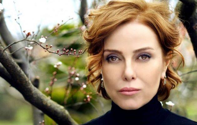 Γνωστή Τουρκάλα τραγουδίστρια δικάζεται για προσβολή του Ερντογάν