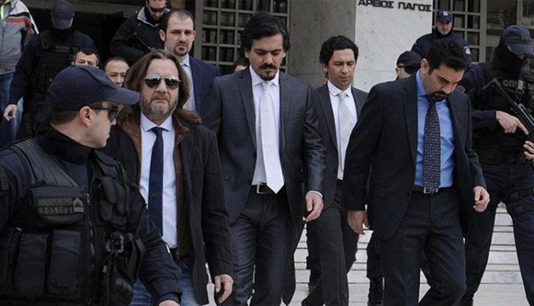 Οι 8 Τούρκοι που ζητούν άσυλο και οι 2 Έλληνες στρατιωτικοί: Ένα αιρετικό άρθρο