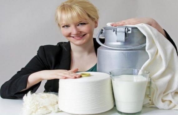 Φτιάχνει ρούχα από… ληγμένο γάλα!