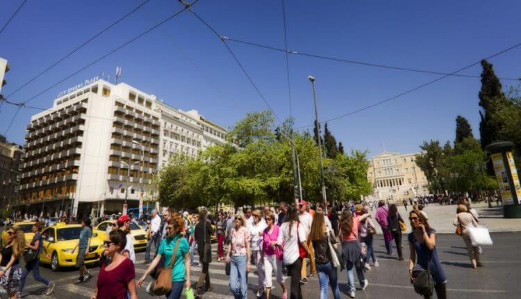 Διαβάστε πως οι Έλληνες αυξήθηκαν κατά 33.210 αλλά οι γεννήσεις μειώθηκαν…