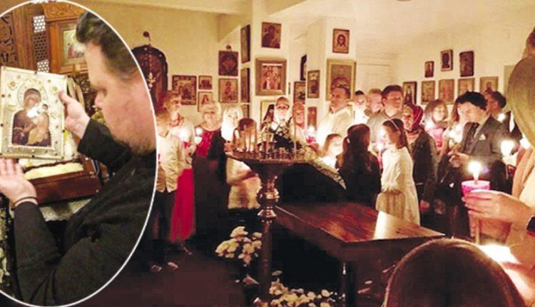 Αναβλύζει μύρο εικόνα της Θεοτόκου – Δεκάδες πιστοί και ιερείς δεν πιστεύουν στα μάτια τους