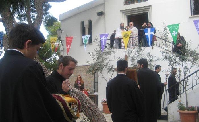 Πανηγυρίζει ο Ι.Ν. Αγίων Ισιδώρων  στο λόφο του Λυκαβητού