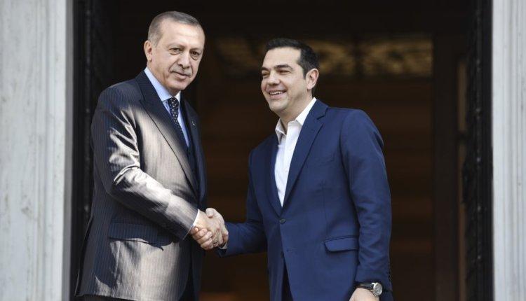 Συνάντηση Τσίπρα-Ερντογάν στο περιθώριο της Συνόδου του ΝΑΤΟ με θέμα τους Έλληνες αιχμάλωτους