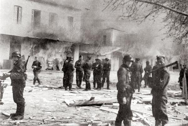 Σαν σήμερα το 1944 η σφαγή αμάχων στο Δίστομο από τους Ναζί