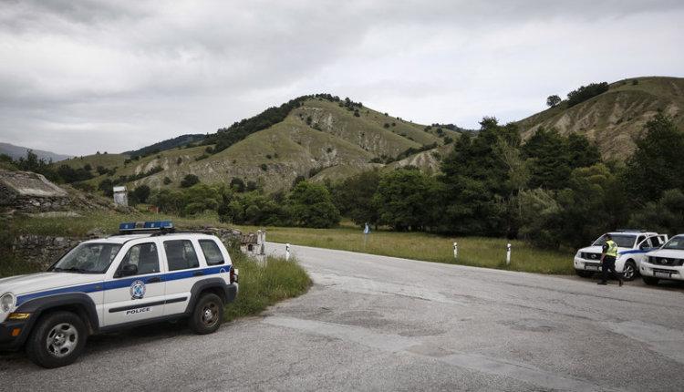 Πρέσπες: Επί ποδός η αστυνομία κλείνει την πρόσβαση σε λεωφορεία και Μακεδόνες διαδηλωτές