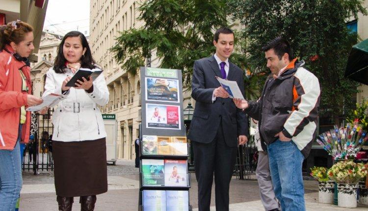 Μάρτυρες του Ιεχωβά: Ορθόδοξε Χριστιανέ με μια απλή κίνηση θα τους αποστομώσεις!