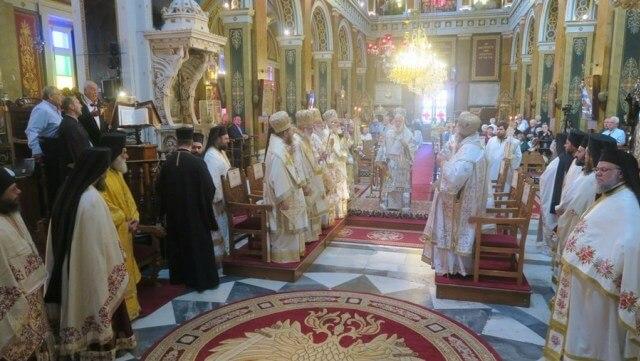Τα ονομαστήρια του Σύρου Δωρόθεου με Ιεράρχες και πιστούς