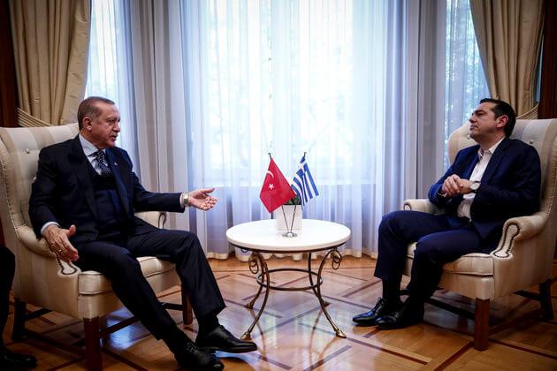Κλείδωσε η συνάντηση Τσίπρα-Ερντογάν – Προτεραιότητα στη σύνοδο του ΝΑΤΟ οι Έλληνες αιχμάλωτοι