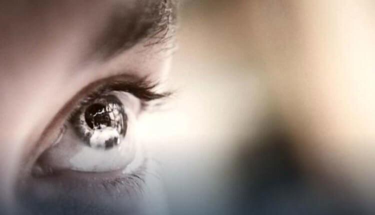 Κοιτάξτε τα μάτια σας -Μήπως έχετε αυτά τα στίγματα; Δείτε τι σημαίνει για την υγεία σας