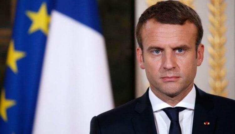 «Γονάτισε» ο Μακρόν – Δεν άντεξε την πίεση από τα «Κίτρινα Γιλέκα»: «H Γαλλία σε κατάσταση έκτακτης οικονομικής και κοινωνικής ανάγκης»