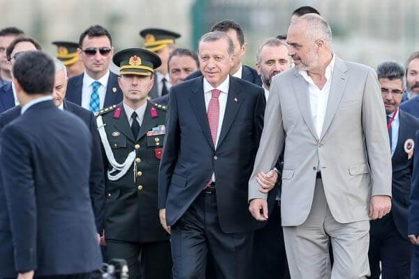 Τίρανα-Σκόπια-Άγκυρα επιτίθενται στην Ελλάδα : Έρχονται τουρκικές βάσεις στην Αλβανία